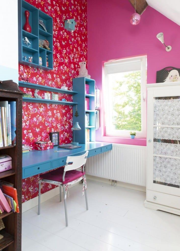 10-meisjesslaapkamer-blauw-bureau