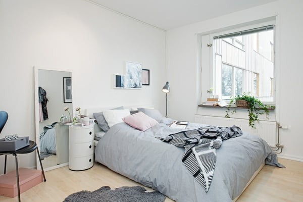 small-bedroom-interior-design-scandinavian-style-resized