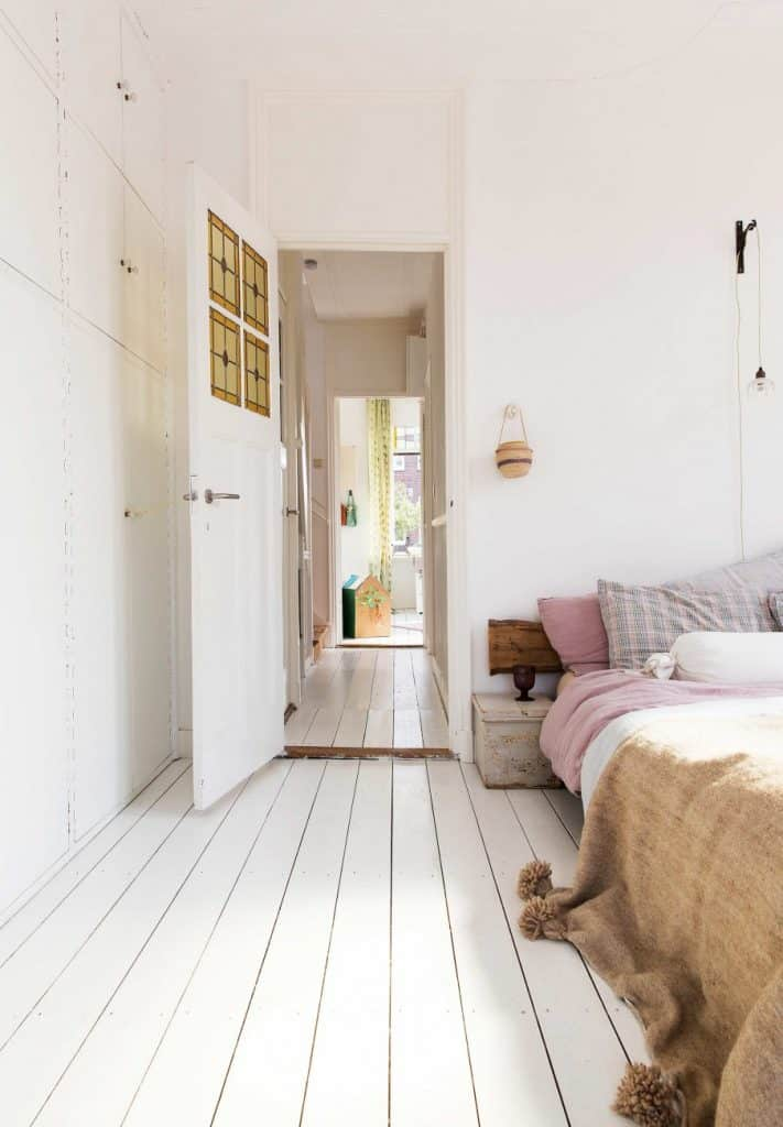 10-slaapkamer-houten-vloer-wit