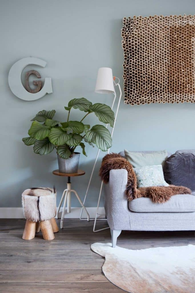 5-woonkamer-lichtblauwe-wand