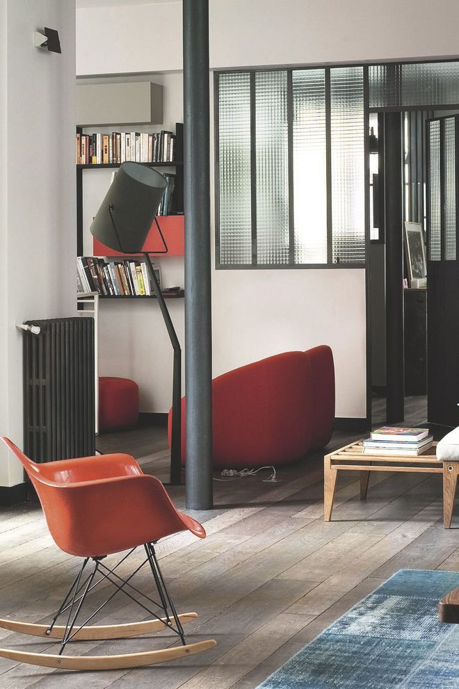 l-esprit-d-atelier-chic-envahit-le-sejour-de-l-appartement-parisien_5177297