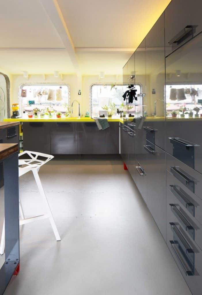 8-keuken-grijs-geel