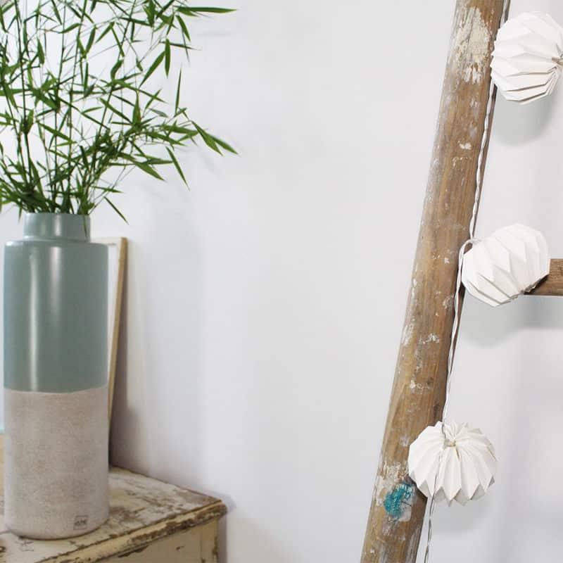 guirlande lumineuse dans vase maison design. Black Bedroom Furniture Sets. Home Design Ideas