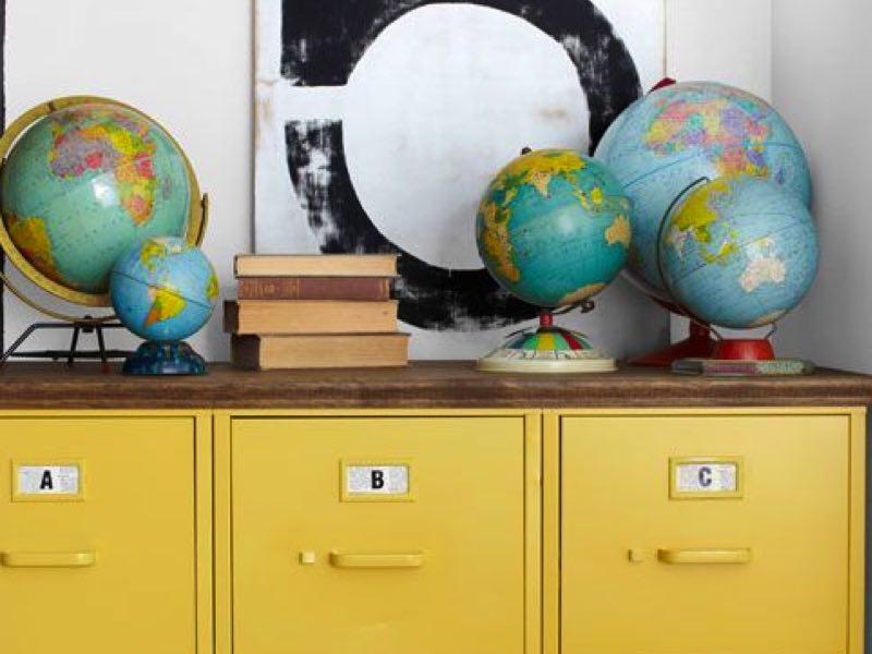Les mappemondes dans la décoration : accumulation #2