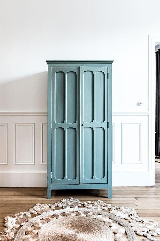 Armoire parisienne - meuble peint en vert canard
