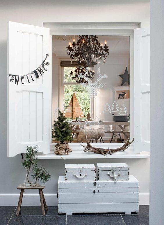 Malle rénovée peinte en blanc