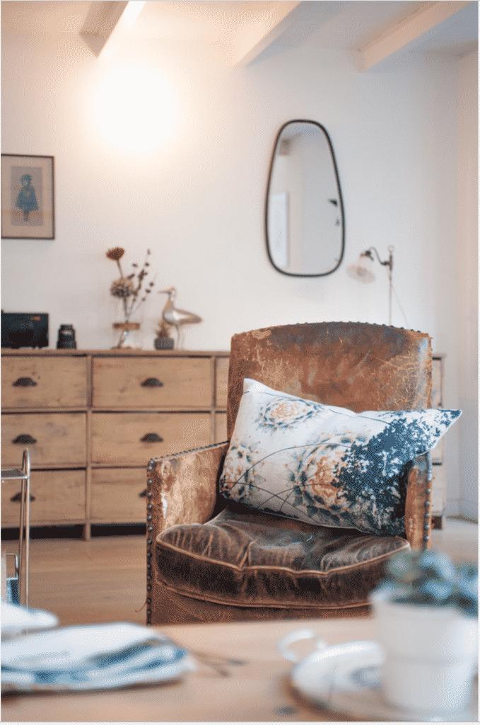 Vieux fauteuil en cuir vintage