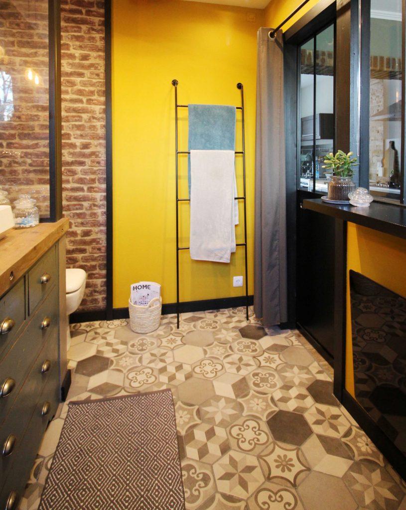 Rénovation de la salle de bain, carreaux de ciment hexagonaux TIME Leroy Merlin