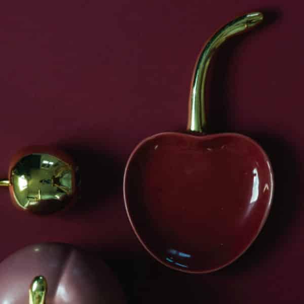 Plateau cerise - vide poche objet décoratif cerise créé par Bloomingville
