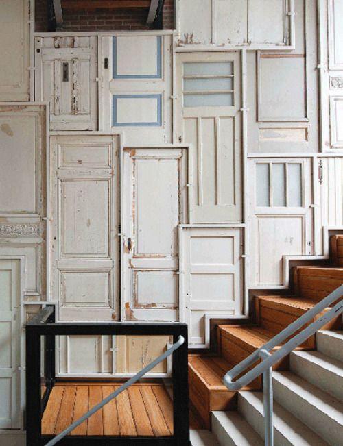 Pêle-mêle déco de vieilles portes recyclées
