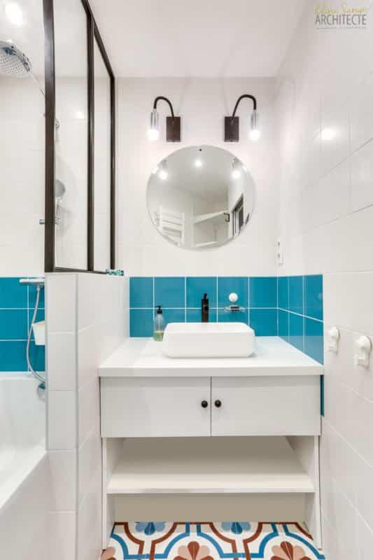 Eline sango architecture des carreaux colorés qui donne du peps à la salle de bain