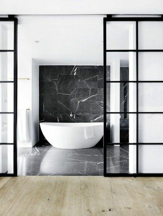 faience-marbre-noir-baignoire