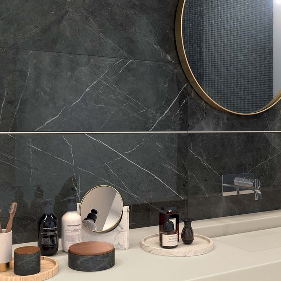 Le marbre noir dans la décoration intérieure