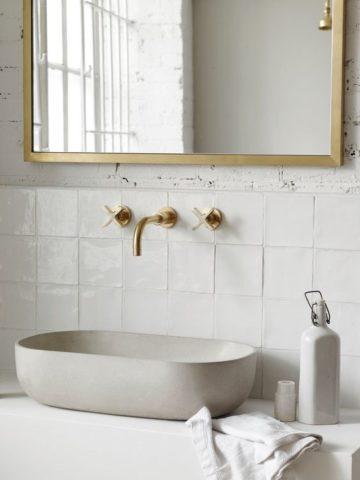 Zellige marocain carré écru en faïence de salle de bain