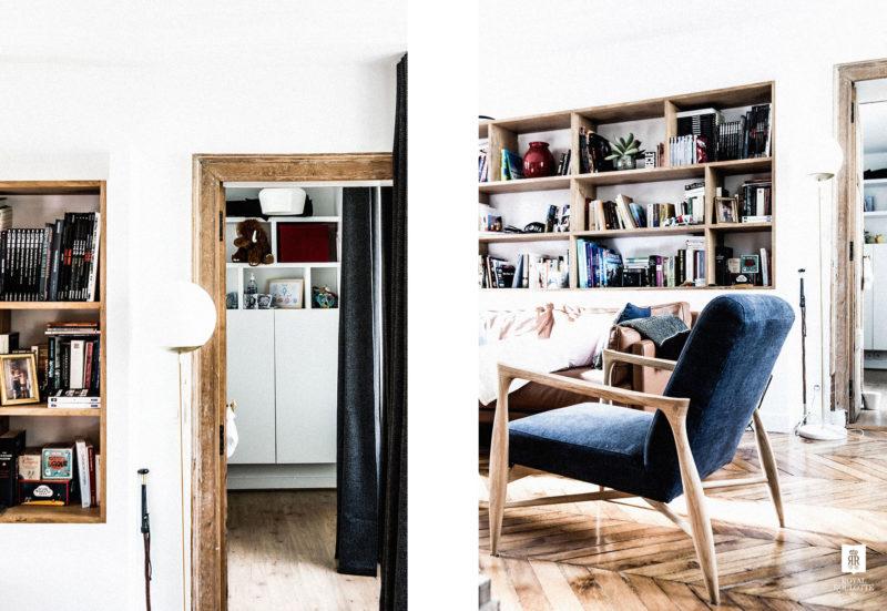 Bibliothèque en bois brut et décoration vintage