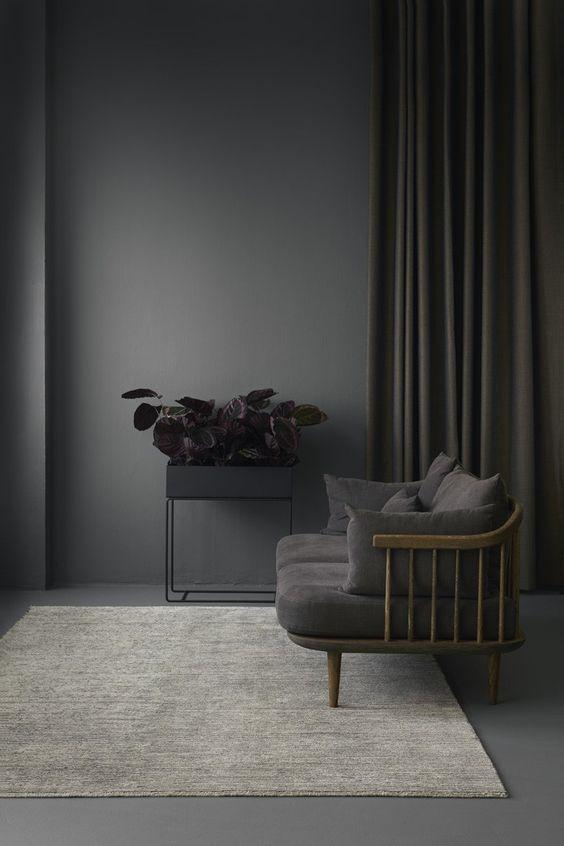 Total look gris anthracite dans la décoration intérieure : chic et feutré