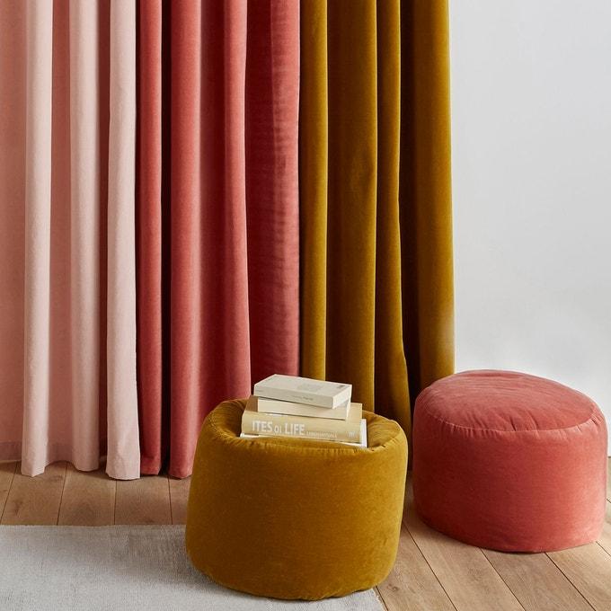 Pouf en velours aux couleurs chaudes chez La Redoute intérieurs