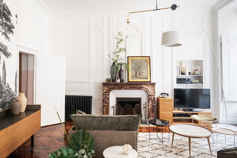 Salon bohème-chic avec la rénovation d'un appartement du 18ème siècle