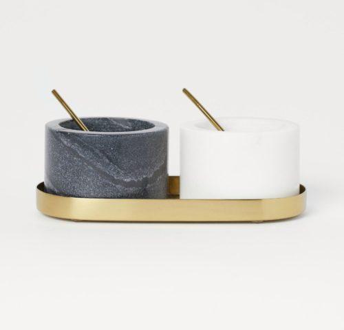 Salière poivrière de table en marbre et laiton par HM Home