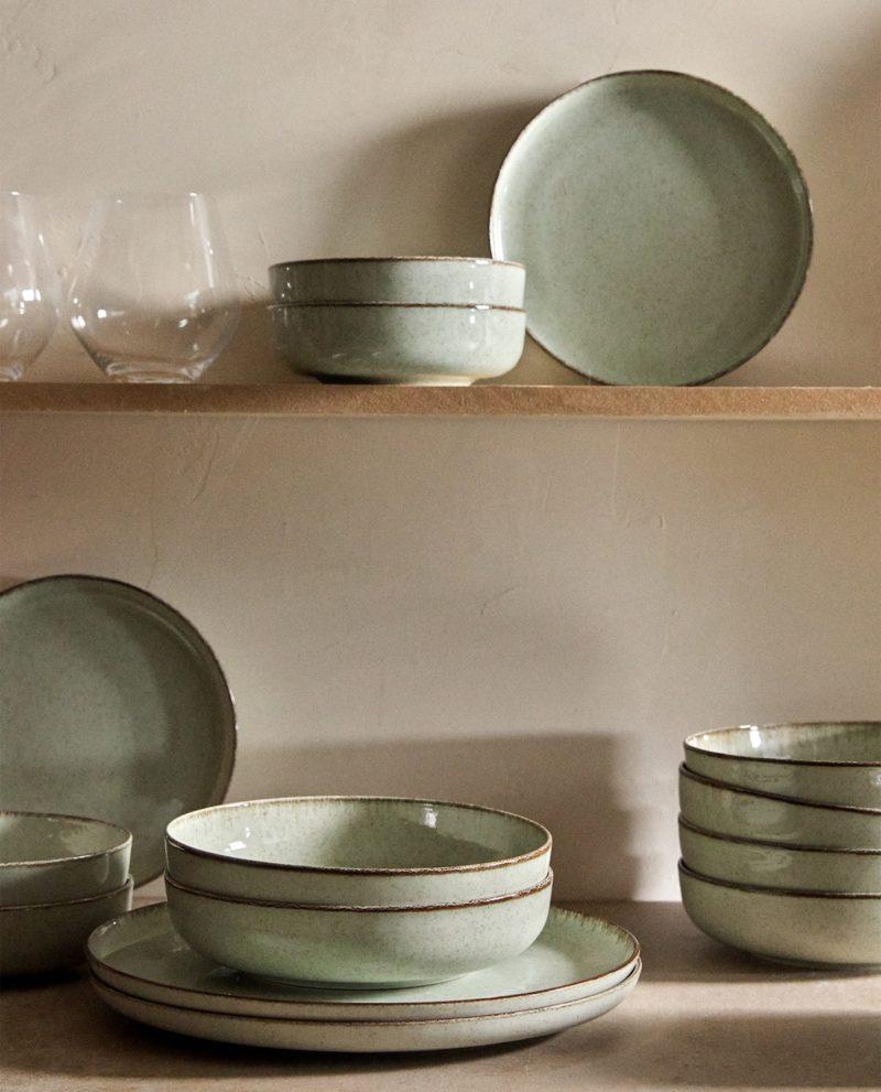Collection vaisselle en porcelaine vert chez Zara Home ambiance ethnique et maison californienne