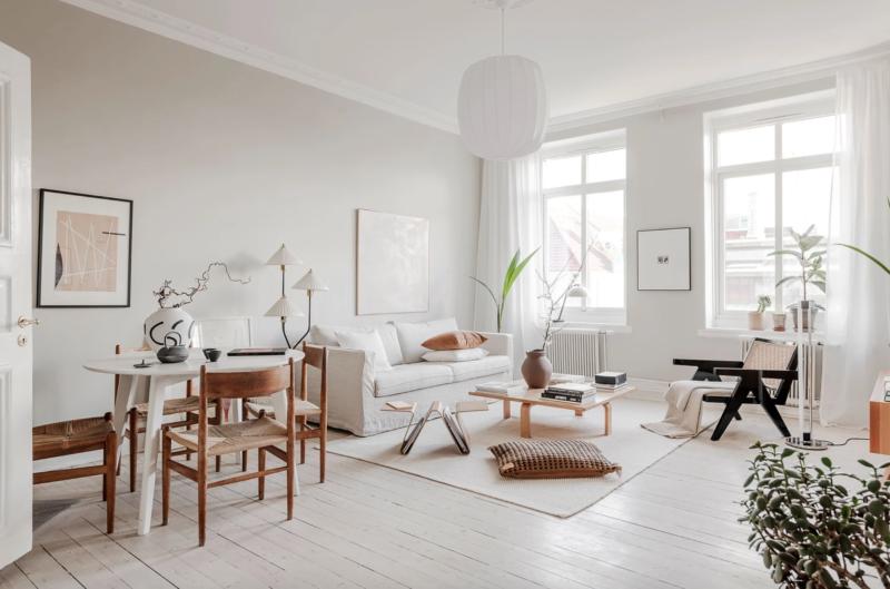 Décoration blanc et bois dans cet appartement à Goteborg