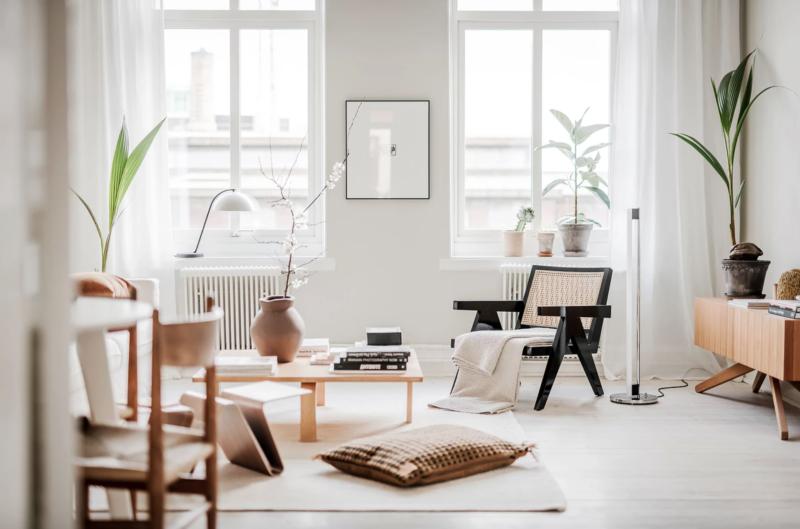 Visite guidée de cet appartement à Gotebord dans lequel le design danois et le design scandinave sont à l'honneur