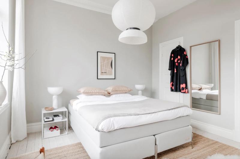 Chambre dans un appartement au style danois chic et rétro