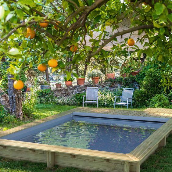 Piscine semi-enterrée en kit, comment installer une piscine hors-sol chez soi ?